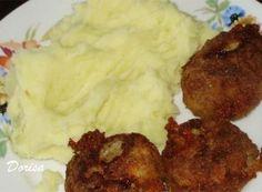 Recept Karbanátky se sýrem a kaší Tandoori Chicken, Mashed Potatoes, Meat, Ethnic Recipes, Drink, Whipped Potatoes, Beverage, Smash Potatoes, Drinking