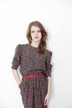 Vintage dress / 80s Karin Stevens floral secretary midi dress / size M-L