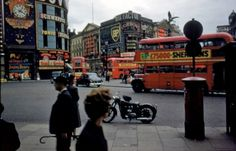 picadilly circus, 1950s