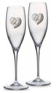 Komplet 2 kieliszków do szampana z ręcznie tłoczonego szkła ze srebrnym emblematem, stanowi doskonały prezent z okazji 50 rocznicy ślubu. #prezent_dla_rodzicow #podziekowania #rocznica