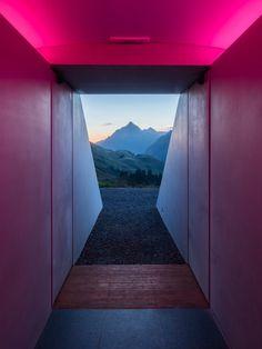 Home / Twitter James Turrell, Minimalist Architecture, Architecture Details, Modern Architecture, Oasis, Jeju, Research Images, Lights Artist, Aura Colors