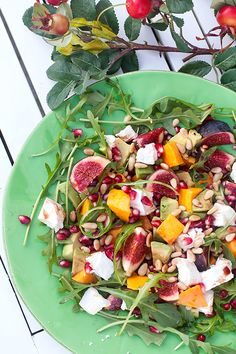 Hebe Frukt & Grönt | Festlig sallad med mango, fikon, granatäpple & avokado