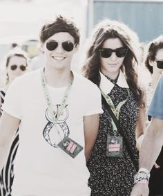 Elounor! @eleanor calder and @Louis Tomlinson are so cute! <3