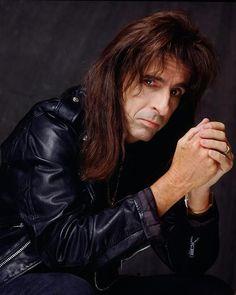 Anything & everything Alice Cooper Alice Cooper, Detroit, Go Ask Alice, Jesus Christ Superstar, Aerosmith, Bad Habits, S Girls, American Singers, Hard Rock