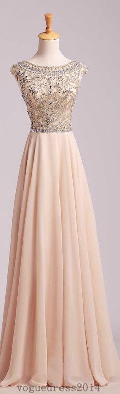 If only I were actually going to prom. This dress is gorgeous!!!