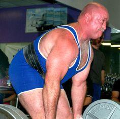 musclemen powerlifting