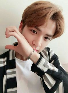 Hot Asian Men, Fandom, My Only Love, Flower Boys, Pop Singers, Kpop Boy, Handsome Boys, K Idols, Boyfriend Material
