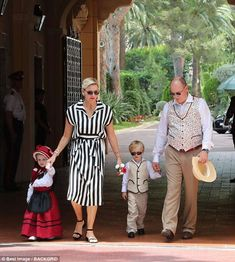Prince Albert, and his wife Princess Charlene, joined their adorable three-year-old twins to celebrate the Meeting of the Grimaldi of Monaco Historic Sites at the Prince's Palace. Andrea Casiraghi, Charlotte Casiraghi, Grace Kelly Wedding, Princess Grace Kelly, Princess Stephanie, Albert Von Monaco, Prince Albert Of Monaco, Kelly Monaco, Beatrice Borromeo