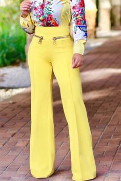 If your closet doesn't have a great pair of flattering wide leg pants in it, you're missing out. We think our high waist pair with hip zipper detail are ideal! Simply Fashion, Look Fashion, Fashion Pants, Plus Size Fashion, Fashion Outfits, Womens Fashion, Fashion Ideas, Classy Outfits, Stylish Outfits