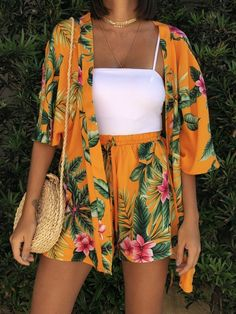 Sunset Kimono Set and Shorts- Sunset Kimono Set and Shorts - Source by fashion_fe moda Cute Casual Outfits, Curvy Outfits, Cute Summer Outfits, Chic Outfits, Fashion Outfits, Party Outfit Casual, Red Dress Casual, Fashion Tips, Boutique Style