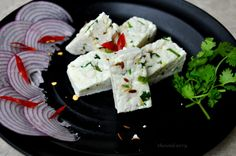 A healthy snack that is high on flavor and nutrition ! Homemade spiced paneer is an easy preparation, that's just perfect for this rainy season. Give it a shot! And for all my calorie conscious readers , this recipe has no oil. Enjoy !