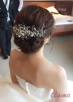可愛い花嫁さま♡フェミニンな3スタイルでHotel Wedding♡ | 大人可愛いブライダルヘアメイク 『tiamo』 の結婚カタログ