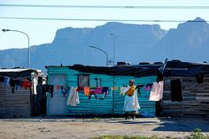 Tours of Cape Town, Township with Table Mountain in the background Table Mountain, Sight & Sound, Most Beautiful Cities, Cape Town, South Africa, Architecture Design, Nelson Mandela, Street View, Tours