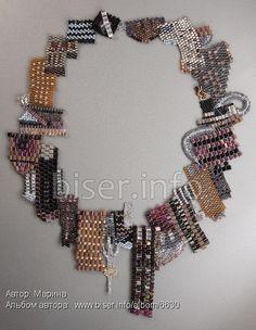 """""""Alice [in Wonderland] City"""" neckpiece by Thais (Marina) on biser.info. Beadwoven collage."""