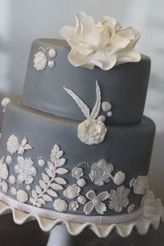 I love grey, but I'm not sure about how I feel about it as a solid wedding cake color.