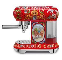 Dolce Gabbana X Smeg kollaboráció http://pumpkin-paradise.com/dolce-gabbana-t-a-konyhaba/