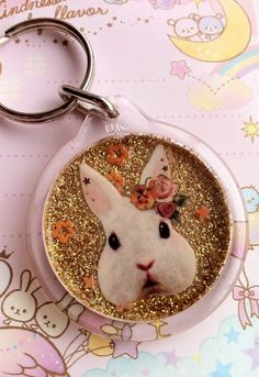 Cute and Kawaii White Rabbit Alice in Wonderland Style Glitter Handmade Keyring. £4 Free UK P&P. Find Glitter Cuties on Facebook