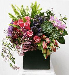 grouped modern table arrangements - Google Search Ikebana, Beautiful Flower Arrangements, Floral Arrangements, Beautiful Flowers, Exotic Flowers, Fresh Flowers, Purple Flowers, Deco Floral, Arte Floral