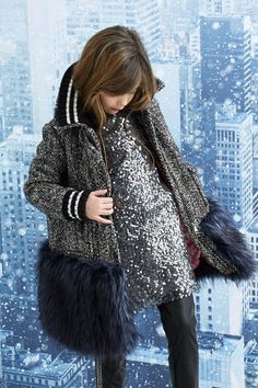 Presentation of the new Junior collection by Ermanno Scervino, the Italian haute couture. Little Girl Fashion, Toddler Fashion, Fashion Kids, Outfits Niños, Kids Outfits, Fashion Outfits, Fashion Scarves, Kids Clothing Rack, Clothing Stores