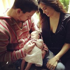 Channing Tatum and Jenna with baby Everly I iVillage.ca