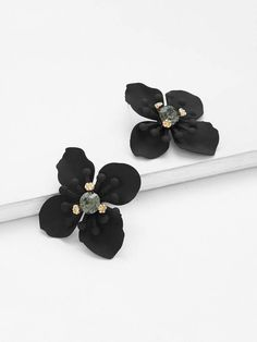 To find out about the Flower Shape Rhinestone Stud Earrings at SHEIN, part of our latest Earrings ready to shop online today! Cheap Fashion Jewelry, Women Jewelry, Flower Earrings, Stud Earrings, Oasis Uk, Cool Names, Flower Shape, Women's Accessories, Floral