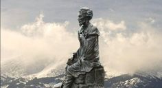 Estatua de Gustavo Adolfo Becquer