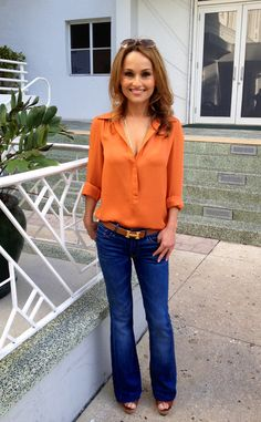 Love a vibrant orange blouse for summer. (Giada De Laurentiis) I love the color of the blouse. Really cute way to dress up jeans. Giada De Laurentiis, Casual Outfits, Cute Outfits, Fashion Outfits, Runway Fashion, Women's Fashion, Fashion Trends, Outfits Mujer, Fashion Over 40