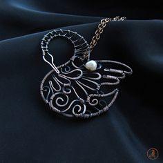 Кулон из меди `Лебедь`.