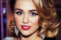 Miley Cyrus - flawless makeup