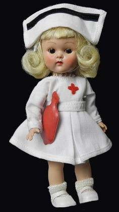 """8"""" VOGUE GINNY BKW 1957 IN #7046 MAJORETTE IN WHITE W/ RED LINING..W/BATON"""