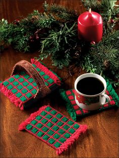 Christmas Mug Rugs made of plastic canvas