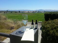 Not only does Artesa have some of the best views, but they also have phenomenal #wines. Thanks @Artesa :-) pic.twitter.com/BS0BJd68