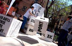 Cubos carton dados personalizados actividades juegos divertidos talleres infantil adultos producidos por Cartonlab. Cubes cardboard custom dice activities fun games children's workshops adults produced by Cartonlab.