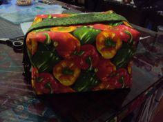 Bolsinha térmica de mão, para levar um lanche bem gostoso! www.saldaterrapatchwork.blogspot.com renata.deichsel@gmail.com