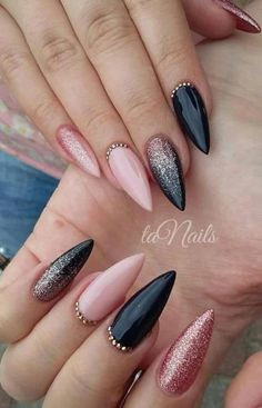 NagelDesign Elegant Nails elegant manicure nageldesign Best Picture For Glitter food For Your Taste You are looking for something, and it is going to tell you ex Black Acrylic Nails, Stiletto Nail Art, Black Nail Art, Coffin Nails, Pink Black Nails, Matte Black, Black Wedding Nails, Short Stiletto Nails, Dark Nails With Glitter