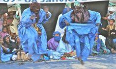La música bereber que es una cultura viva, inseparable de la vida comunitaria y agrícola, es la expresión de un antiguo patrimonio forjado del encuentro entre las culturas bereber, árabe y sahariana