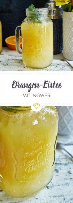 Pfirsich- und Zitroneneistee sind lecker, aber deine Mischung ist noch erfrischender. Die Basis: grüner Tee mit Ingwer, Honig, Orangen- und Zitronensaft.