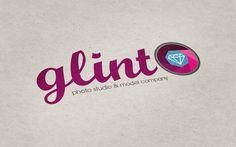 Logotipo para una agencia fotográfica y de modelaje.