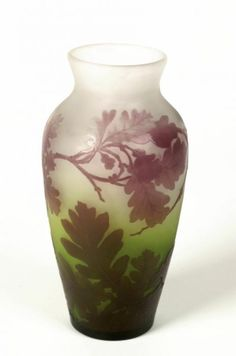 Émile Gallé (1846-1904). Vase. C. 1910. Double overlay cased glass, with carved decoration, acid frosting and etching. Birmingham Museums & Art Gallery - Birmingham - UK