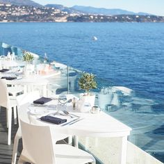 Brunch goals ✔️ I don't care anymore about the food when the view is like this! #sundaybrunch #monaco #larvotto #brunchgoals #MyMonteCarlo