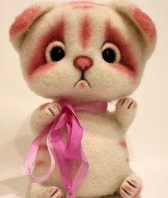Котик Ванилька, ок. 15 см #котик #кот #валяныйкот #котванилька #сухоеваляние #ручнаяработа #шерсть #котизшерсти #handmade #irinaalferova #toy #teddy #иринаалферова #котенок #игрушка #подарок #сувенир #ванилька #войлочныйкот #войлок #белыйкотик🐱