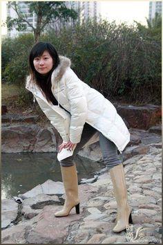 Rain Wear, Elegant, High Boots, Rain Boots, Women's Fashion, Japan, Heels, How To Wear, Outfits