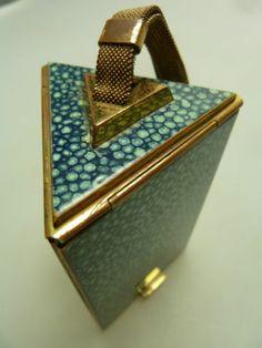 Vintage 1920s Ladies Pyramid Shaped Compact
