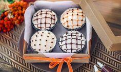Przepis na Babeczki w kratkę Miss Cupcake, Desserts, Food, Tailgate Desserts, Deserts, Essen, Dessert, Yemek, Food Deserts
