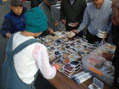 徳島びっくり日曜市。 朝5時ころからお店・人で賑わう。 昭和時代のものなど、いろんな宝物に出逢える場。  http://www.nichiyouichi.com/