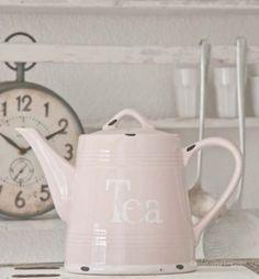 We Heart It'te Tea Pink | Random.... - Yesim Sezen