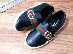 anak sepatu slip on black import