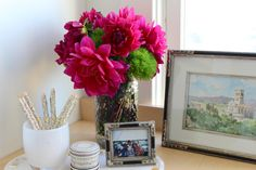 classic • casual • home Mary Ann's desk with a few dahlias in her San Fransisco home, perfect of course!