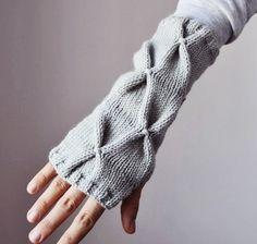 fingerless gloves/wristwarmers  •  elde at etsy