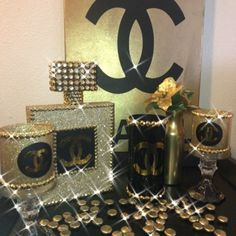 Fashion Home Cute Glitter Chanel Candle Set. Chanel Birthday Party, Chanel Party, 50 Birthday, Girl Baby Shower Decorations, Wedding Decorations, Chanel Bridal Shower, Chanel Bedroom, Glamour Decor, Chanel Decor